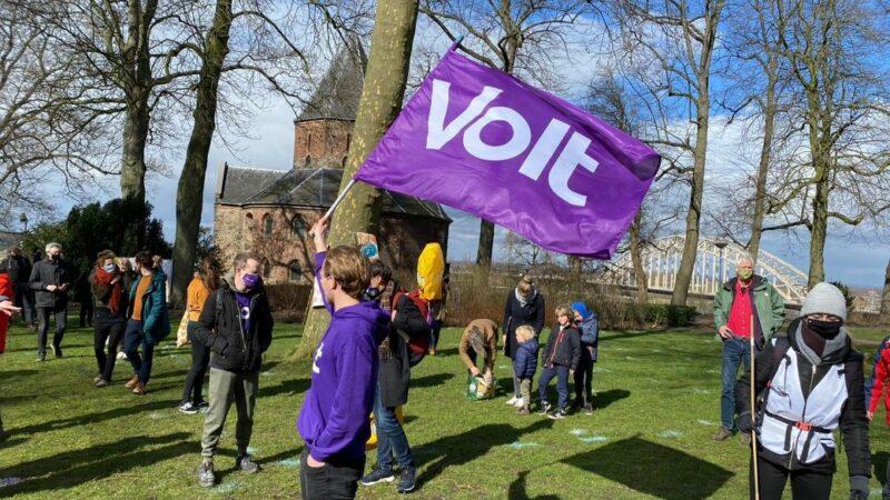 Pro-Europa partij Volt zet voet aan de grond in Arnhem en Nijmegen